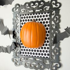Simple, yet striking DIY Halloween decor + more ideas for a fun spin on this craft idea!