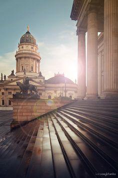 Berlijn.. een stad vol emoties .. Berlin | repinned by an #Reiseagentur für Kita- und #Klassenfahrten from #Berlin / #Germany - www.altai-adventure.de | Follow us on www.facebook.com/AltaiAdventure#!/AltaiAdventure