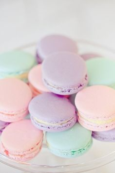 Xtra Inspiration #4: Pastel Macaroons: These pastel colored macaroons remind me of the times I used to eat so many sweets when I was a child! And the happiness I felt eating them!