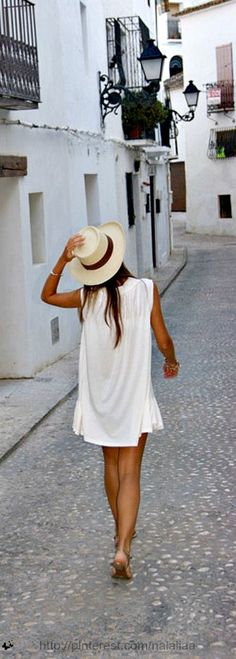 Street style - white & a panama with a tan