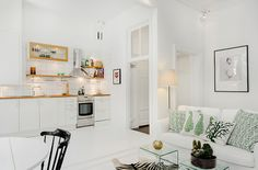 kitchen//family room combo
