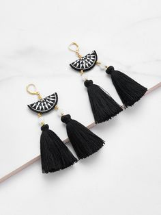 No Stone. Gold colored metal. Dangle Perfect choice for Casual wear. Designed in Black.