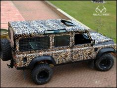 Land Rover Fans are crazy about #Realtreecamo too. I think #RealtreeMax-4 camo fits very well. #camowarp