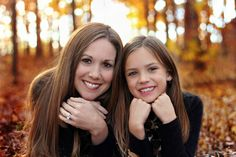 mother and dauther picture ideas - In the woods Mom Daughter Photography, Mommy Daughter Pictures, Mother Daughter Pictures, Family Photography, Photography Poses, Mother Daughters, Children Photography, Daddy Daughter, Mother Son