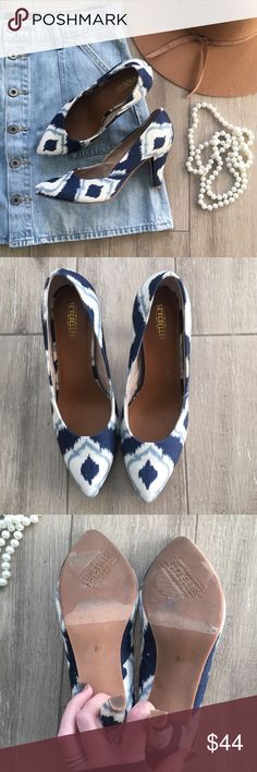 """Seychelles Ikat """"Delightful"""" Pumps See what everyone is raving about and let these pumps turn heads and make you smile! So cute with all denim washes.  In like New condition! Only tried on ✨Pattern is an Ikat printed fabric upper Pointed toe Cushioned insole 3¼"""" covered heel Rubber sole (No original box but I wrap carefully) Seychelles Shoes Heels"""