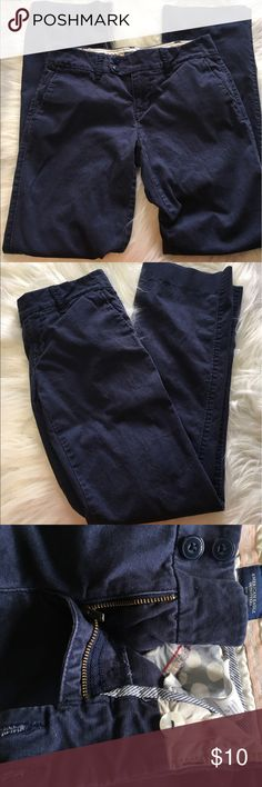 American Eagle Size 0 Short Blue Bootcut Pants No stains or tears.  Slight fade from washing but with this style no one would really even know.  Soft fabric double button and zip fly with an inner button all in tact. American Eagle Outfitters Pants Boot Cut & Flare