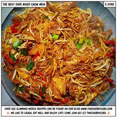 A perfect mixed chow mein dish! Perfect on Slimming World as it only comes in at 2 syns and tastes exactly like the takeaway version! Beef Chow Mein, Chicken Chow Mein, Healthy Eating Recipes, Cooking Recipes, Healthy Food, Healthy Meals, Diet Meals, Healthy Drinks, Slimming World Noodles