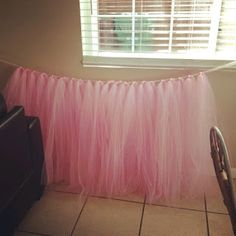 Baby Shower Ides Decorations For Girls Table Skirts 39 Ideas For 2019 Fiesta Baby Shower, Baby Shower Table, Baby Shower Cakes, Baby Shower Parties, Girl Baby Shower Decorations, Girl Decor, Baby Shower Themes, Baby Boy Shower, Baby Shower Gifts
