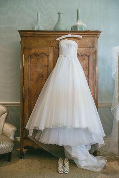 Ballgown wedding dress | Ria Mishaal Photography | Bridal Musings Wedding Blog