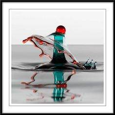 High-Speed Photography Captures Art in Drops of Water: http://singularityhub.com/2012/02/08/high-speed-photography-captures-art-in-drops-of-water/