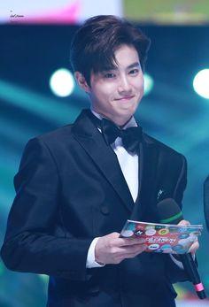 i fucking love him so much SUHO Chen, Kai, Exo Ot12, Chanbaek, Baekhyun Chanyeol, Kpop Exo, Exo K, Kim Joon Myeon, Rapper