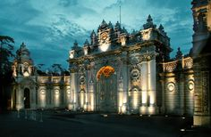 Dolmabahce Palace, Istanbul, Turkey. The Dolmabahçe Palace in Istanbul, Turkey, located at the European side of the Bosporus, served as the main administrative center of the Ottoman Empire. The palace is composed of three parts; the Mabeyn-i Hümâyûn (the quarters reserved for the men), Muayede Salonu (the ceremonial halls) and the Harem-i Hümâyûn (the apartments of the family of the Sultan). The palace has an area of 45,000 m2, and contains 285 rooms, 46 halls, 6 baths and 68 toilets