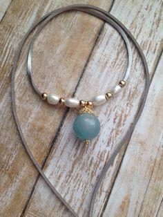 Gargantilla perlas y gema por CaroAccessories en Etsy