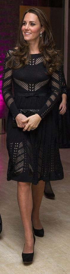 Kate Middleton in Temperley. Very nice picture
