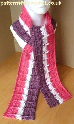Free crochet pattern for striped raised scarf http://patternsforcrochet.co.uk/striped-scarf-usa.html #patternsforcrochet