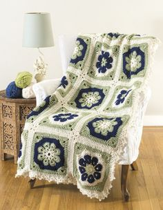 Transcendent Crochet a Solid Granny Square Ideas. Inconceivable Crochet a Solid Granny Square Ideas. Crochet Afghans, Crochet Squares Afghan, Granny Square Crochet Pattern, Crochet Blanket Patterns, Crochet Granny, Crochet Baby, Easy Crochet, Free Crochet, Knitting Patterns