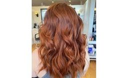 12 Ways to Try Auburn Hair Colour in 2021 | Be Beautiful India Auburn Blonde Hair, Hair Color Auburn, Cool Hair Color, Hair Colour, Red Hair With Lowlights, Curly Crop, Chestnut Hair, Brown Curls, Natural Red Hair