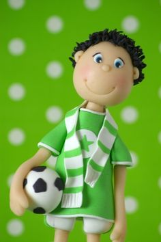 Boy with football fondant Fondant Figures, Fondant Cake Toppers, Fondant Cakes, Sport Cakes, Soccer Cakes, Football Cakes, Rugby Cake, Golf Cakes, Football Players