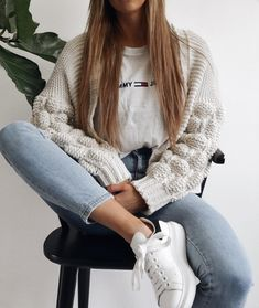 30 Comfy Outfits That You Will Love This Fall Formal Winter Outfits, Hot Fall Outfits, Comfy Fall Outfits, Trendy Outfits, Mode Outfits, Fashion Outfits, Black Denim Skirt Outfit, Fall Fashion Trends, Autumn Winter Fashion