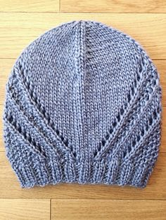 Mirror Mountain Beanie - Free knitting pattern http://killercrafts.co/2018/06/07/mirror-mountain-beanie/ #knitting #pattern #free #hat #beanie