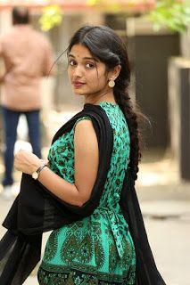 Kajal Aggarwal Navel Photoshoot for Poorvika Mobile Ad - Hollywood Beautiful Girl Indian, Most Beautiful Indian Actress, Beautiful Girl Image, Beautiful Saree, Beautiful Actresses, Indian Photoshoot, Saree Photoshoot, Beauty Full Girl, Beauty Women