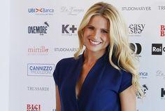 Michelle Hunziker è una delle donne più belle della televisione italiana, e questi scatti lo confermano!