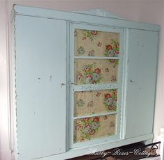 Shabby chic closet in aqua (remake by myself)