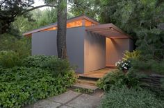 Pietro Belluschi tiny house: Famous architect and son design teahouses in Portland Tyni House, Maine House, Micro House, Famous Architects, Tiny House Movement, Small Places, Tiny Spaces, Prefab Homes, Atrium
