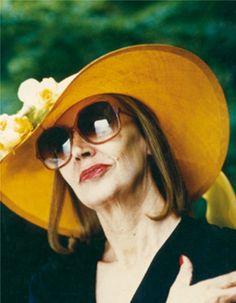 L'ultimo servizio fotografico a Oriana è quello di Oliviero Toscani del 1990, in occasione dell'uscita di Insciallah (4) - Foto - Oriana Fallaci