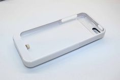 Чехол с встроенным аккумулятором Apple iPhone 5 5S 2200ma (белый)  Чехол с встроенным аккумулятором Apple iPhone 5 5S 2200ma (белый)