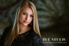 ©The Studio • La Crosse, WI www.TheStudioOnMain.com  Seniors • Girls • Portrait • Picture