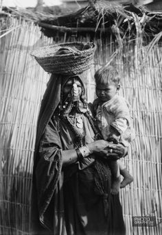 Mother and baby of Beersheba. Beersheba, Palestine. 1900-1920. Photograph: Matson Collection