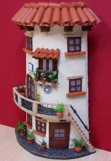 Risultati immagini per manualidades en tejas Clay Houses, Ceramic Houses, Miniature Houses, Garden Nook, Fairy Garden Houses, Tile Crafts, Clay Fairies, Theme Noel, Fairy Doors
