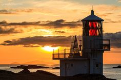 Foula Lighthouse, Foula Island in the Shetland Islands, Scotland Beacon Of Hope, Beacon Of Light, Seven Wonders, Great Britain, Cool Places To Visit, Lighthouse, The Good Place, Beautiful Places, Paisajes