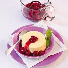 Vanille-Grieß-Flammeri mit Kirschen Rezept | Küchengötter