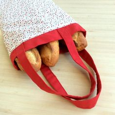 A bread bag to avoid paper packaging - Crochet knitting, free patterns Elsbeth Und Ich, Sewing Tutorials, Sewing Projects, Crochet Christmas Gifts, Crochet Gifts, Coin Couture, Paper Packaging, Knitted Slippers, Free Knitting