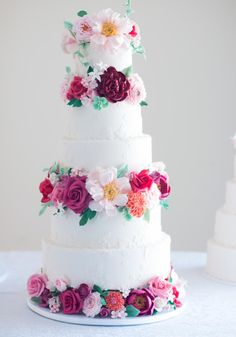 Floral Wedding Cake - Cake by Luciana Borges