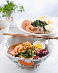 prawn noodles ('hae mee') in Malaysia and Singapore