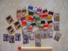 I have done some new thread and button cards.for my haberdashery shop. Today I will do some needle cases. Have a great sunday Sonja. Miniature Crafts, Miniature Dolls, Diy Dollhouse, Dollhouse Miniatures, Minis, Vitrine Miniature, Button Cards, Barbie, Sewing Baskets