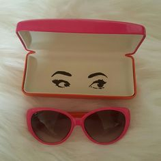 Kate Spade Sunny's and Case Excellent condition(Look brand spankin new), no scratches/smudges..etc.  Pink and orange, comes with matching Kate Spade case.  *I'm so sorry but I can not model, these do not go with my face frame*  Thank you! kate spade Accessories Sunglasses