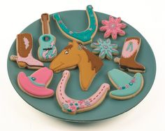 How to decorate Cowgirl Cookies Cowgirl Cookies, Horse Cookies, Cowboy Birthday Party, Cowgirl Party, 5th Birthday, Birthday Parties, Cookie Icing, Royal Icing Cookies, Sugar Cookies