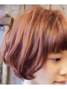 【+~ing】ピンクアッシュ×ゆるふわ前下がりボブ【随原麻由】 - 24時間いつでもWEB予約OK!ヘアスタイル10万点以上掲載!お気に入りの髪型、人気のヘアスタイルを探すならKirei Style[キレイスタイル]で。