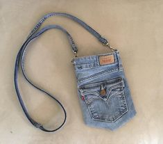 Your place to buy and sell all things handmade – purses and handbags diy Jean Crafts, Denim Crafts, Artisanats Denim, Diy Denim Purse, Blue Denim, Jean Diy, Denim Ideas, Recycled Denim, Diy Clothes