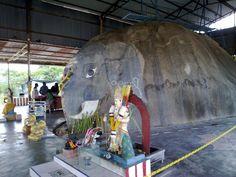 Sri Vinayagar Siva Sakthi Temple (Natural Rock Formation) , Johor Baru