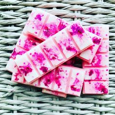 Discover our unique blend of pure soy wax and luxury fragrances Homemade Chocolate Bars, Pink Chocolate, Diy Wax Melts, Scented Wax Melts, Chocolates, Chocolate Lollipops, Essential Oil Candles, Candle Craft, Candle Packaging