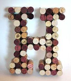 DIY tutorial on how to make a monogram cork wall hanging! Wine Cork Monogram, Wine Cork Letters, Wine Cork Art, Monogram Letters, Wine Corks, Big Letters, Wine Craft, Wine Cork Crafts, Bottle Crafts