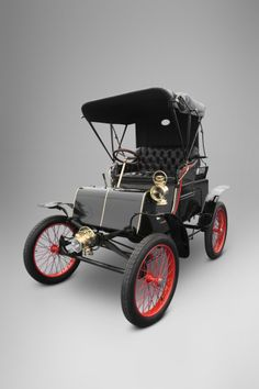 1901 Packard Model C Dos-A-Dos Runabout - (Packard Motor Car Company Detroit, Michigan 1899-1958)