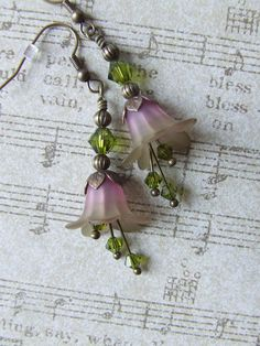 Bell Flower Earrings by lesly on Etsy. Love this color combo