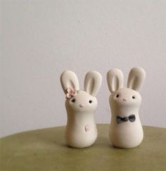 Cuddle Bunnies Wedding Cake Topper von LuLuAmour auf Etsy, $55.00