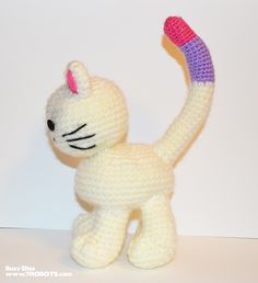 About This Pattern I'm sharing my very first crochet pattern, so I hope it's easy to follow. I started to crochet earlier this year (2015) and this is my second toy, so I'm sure yours will look even better! This little kitten stands up perfectly on her oversized feet. »Scroll down for the free pattern. …